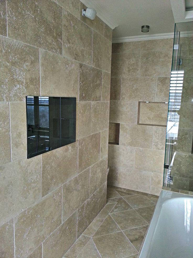 Rodičovská kúpeľňa z Travertínu Ivory Light nevyplneného omieľaného v Bratislave  http://travert.sk/referencia/rodicovska-kupelna-z-travertinu-ivory-light-nevyplneneho-omielaneho