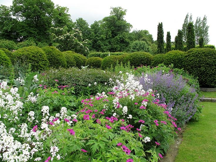 Modern Smith Gardens Model - Garden Design and Inspirations ...
