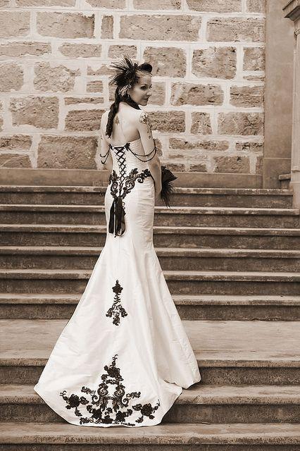 17 Best ideas about Victorian Gothic Wedding on Pinterest ...