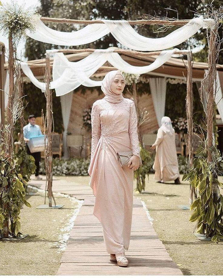 Gaun Kebaya Modern Gaun Kebaya Modern Kebaya Modern Hijab Simple Wedding Dress In 2020 Model Kebaya Muslim Kebaya Muslim Muslimah Wedding Dress
