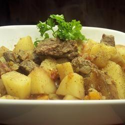 Ragoût de bœuf facile à la mijoteuse @ http://qc.allrecipes.ca