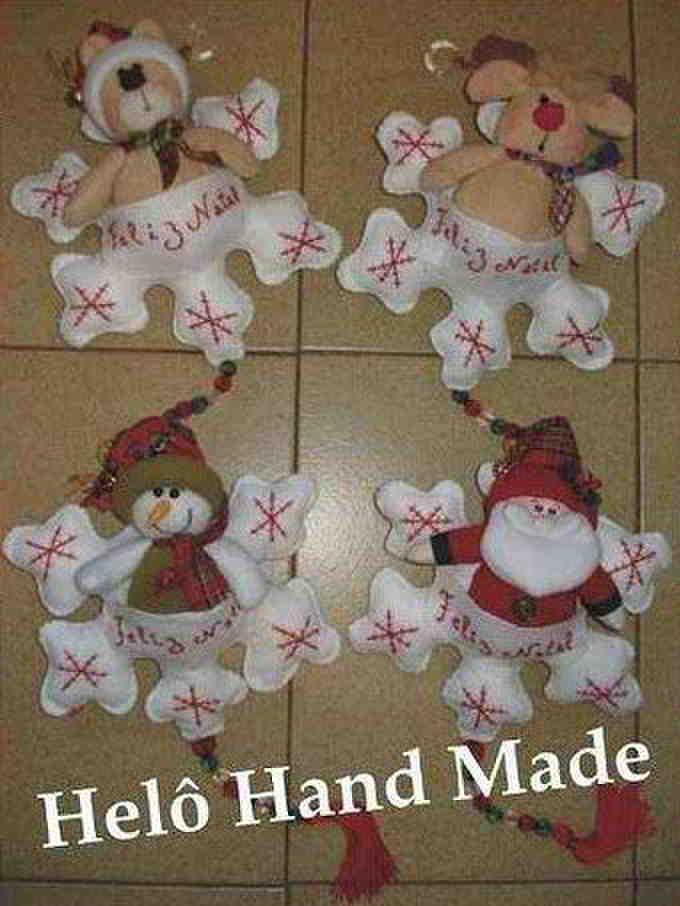 Copos de nieve con muñecos de navidad