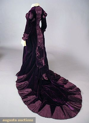 backPurple Dresses, Purple Velvet, Training Gowns, Historical Fashion, Historical Clothing, Velvet Training, Late 1870S, Late 1870 S, Vintage Clothing