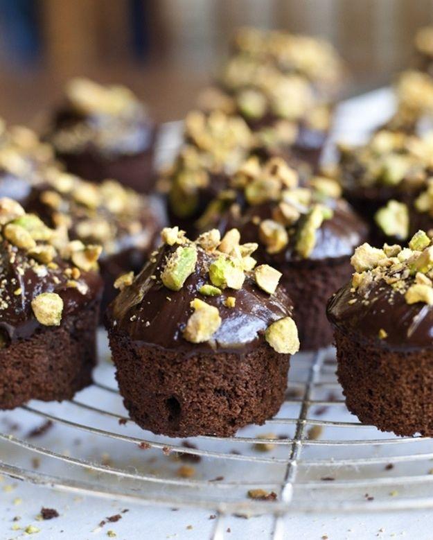 Chocolate Pistachio Cakes With Chocolate Glaze | 31 Fantastic Passover Desserts
