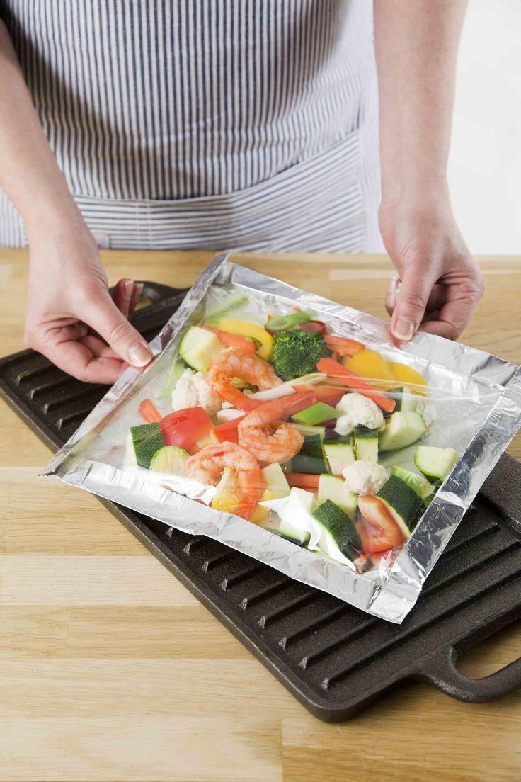 Uusi hitti grillaukseen. BBQ-paistopussi pitää grillin ja uunin aina puhtaana, ilman valuvia ruokanesteitä ja auttaa kypsentämään ruoan meheväksi.