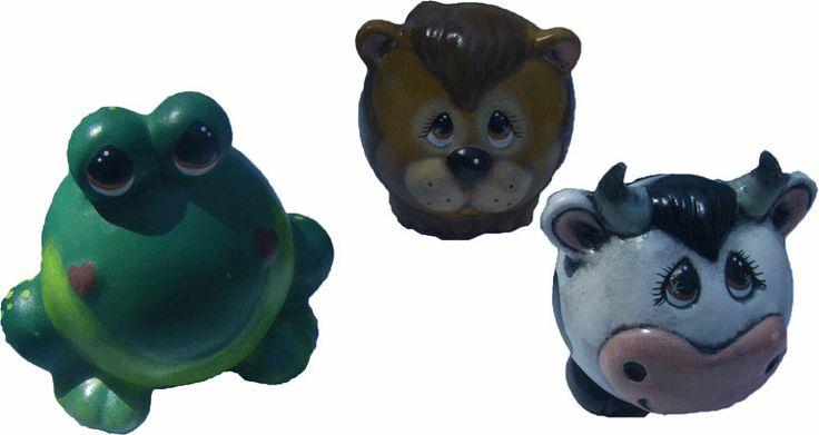 Alcancias de rana, león y vaca de cerámica pintada a mano. medidas: 17x15cm www.barenka.com