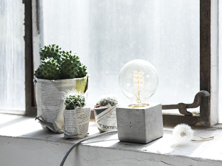 Liten bordlampa från Pholc. EM Möbler - Tiny