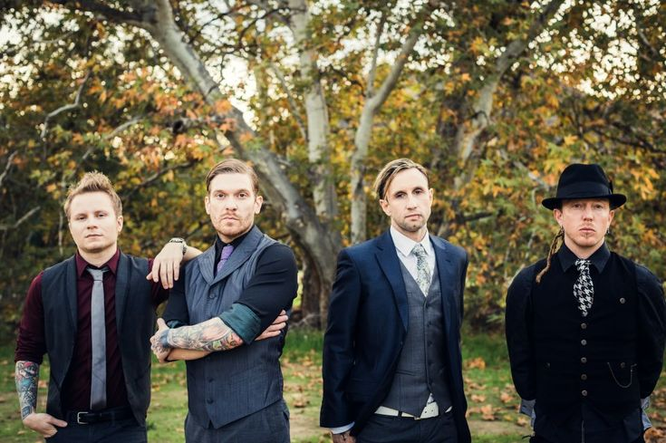 Zach Myers Fan Page: Happy New Years Eve! A Shinedown photo of the day!