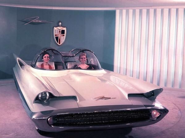 Rejected 1955 Lincoln Futura prototype, which became the Batmobile in 1966. (via ClassicPics on Twitter)