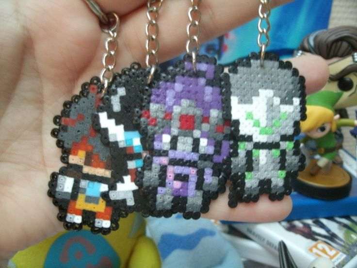 Porte-cl¨¦s personnage d'overwatch - hama beads - pixel art by Lady Try - Pixel Art Cr¨¦ation & Envoi rapide ( environ 48h ) !