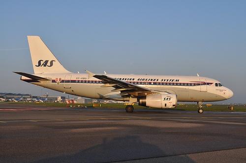 OY-KBO A319 SAS Retro