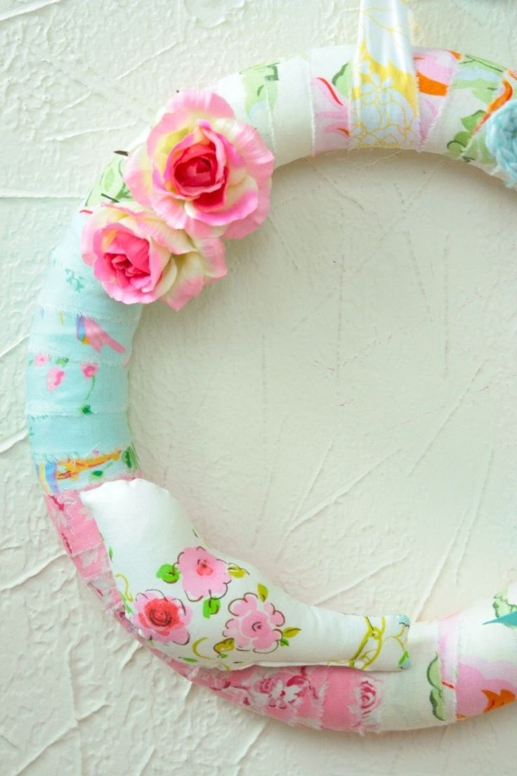 Shabby chic crafts to make - Shabby Chic Wreath Would Be So Easy To Make With Scraps Of Material