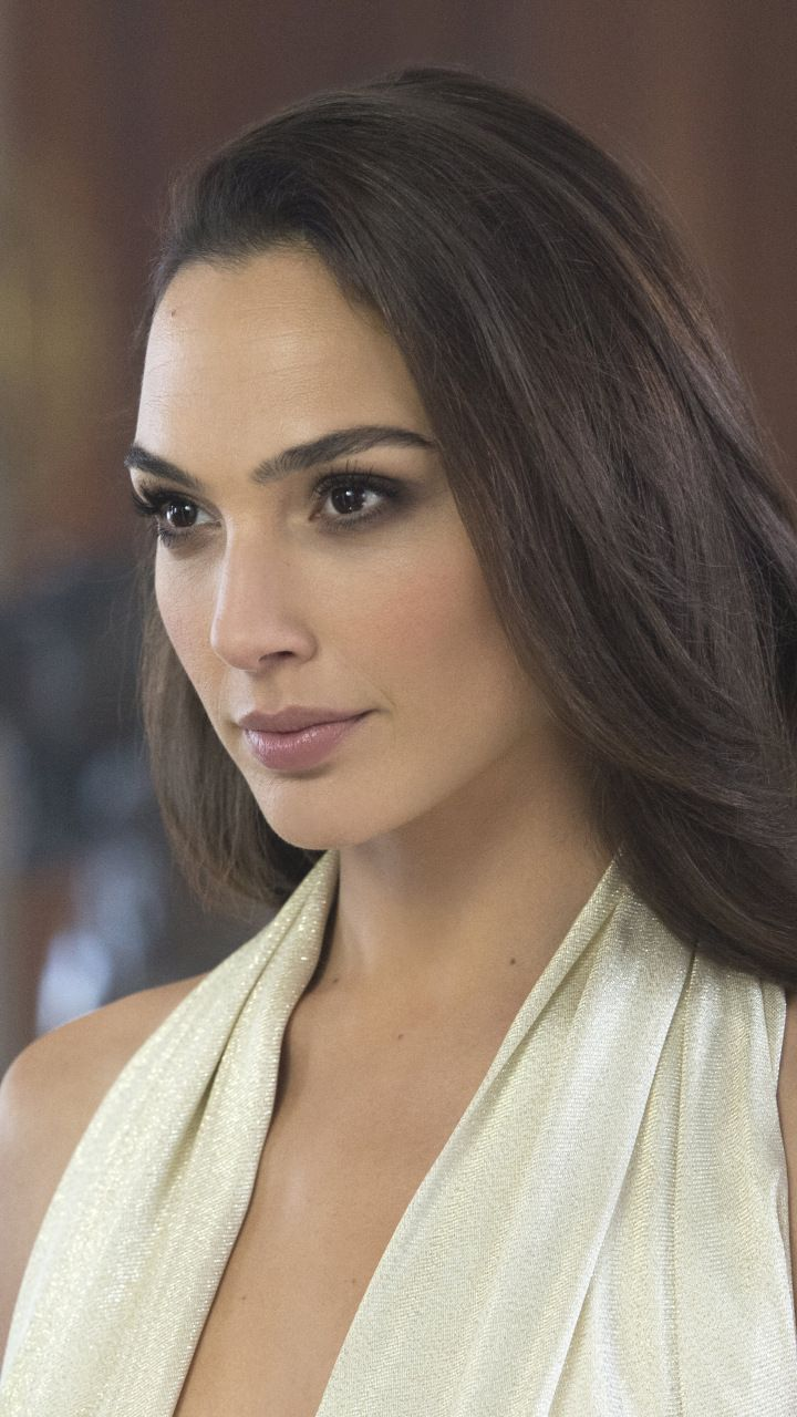Brunette Beautiful Gal Gadot 720x1280 Wallpaper Gal Gardot