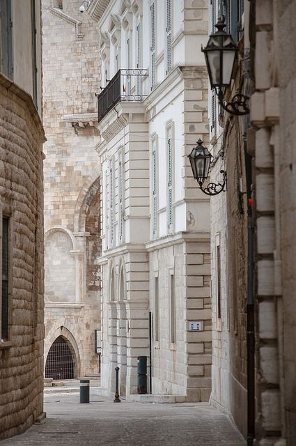 the streets and architecture of Trani, Puglia, Italy