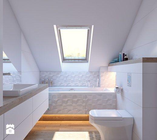 Aranżacje wnętrz - Łazienka: łazienka biała - Mała łazienka na poddaszu w domu jednorodzinnym z oknem, styl nowoczesny - APP TRENDY Autorska Pracownia Projektowa. Przeglądaj, dodawaj i zapisuj najlepsze zdjęcia, pomysły i inspiracje designerskie. W bazie mamy już prawie milion fotografii!