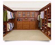 Découvrez nos offres de rangement et armoires de garage. Closets by Design vous offre des solutions pour amener plus loin votre garage