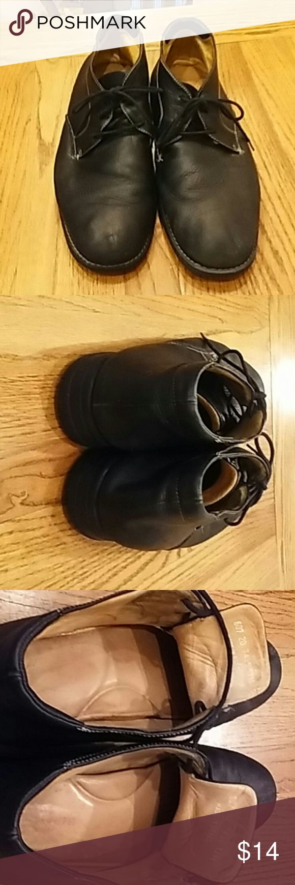 (MENS) Black Chukka Boot Mens Black Casual Chukka Boot.  Worn..Outside of boots in good condition..inside is worn out but not visible when on foot Johnston & Murphy Shoes Chukka Boots