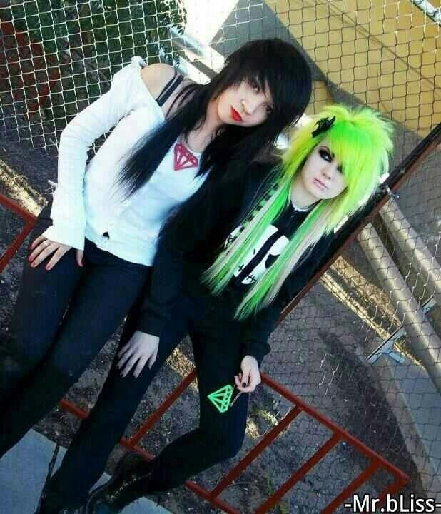 Green and black scene hair