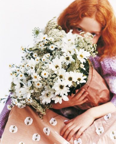 bloom magazine: Queen Anne, Bloom Magazines, Flower Bouquets, Pretty Things, Daisies, Redheads, Flower Girls, Bridesmaid Bouquets, Red Head
