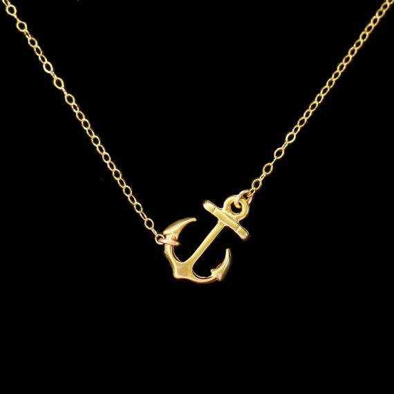 Collier ancre marine plaqué or. Joli collier orné d'un pendentif ancre marine. Un idée cadeau original et à petit prix.