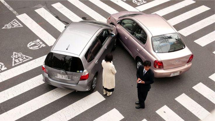¿Qué debemos hacer frente a un siniestro de autos