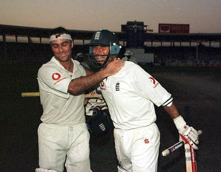 Nasser Hussain and Graham Thorpe celebrate after beating Pakistan -England vs Pakistan 3rd test Karachi 2000 by a_faisal69, via Flickr