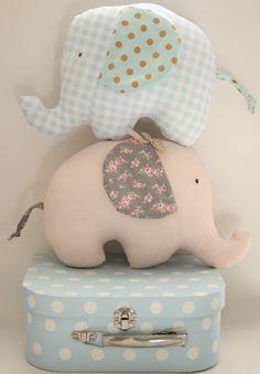 Cojines en forma de elefante