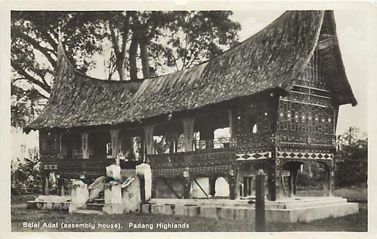 Indonesia,+Padang+Highlands,+RPPC,+Balai+Adat+House,+Assembly+House.JPG (830×528)