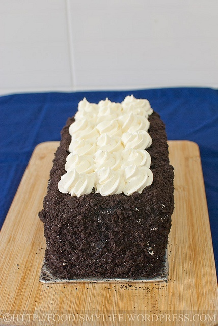 Oreos and Chocolate Mousse Layered Cake