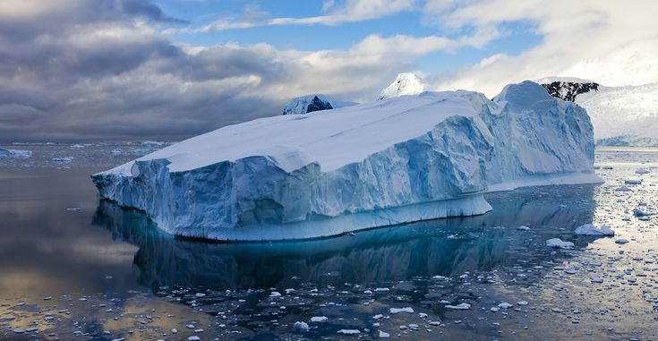 Giant iceberg To Break Antarctica Shelf - http://novabuzzfeed.tumblr.com/156574636789