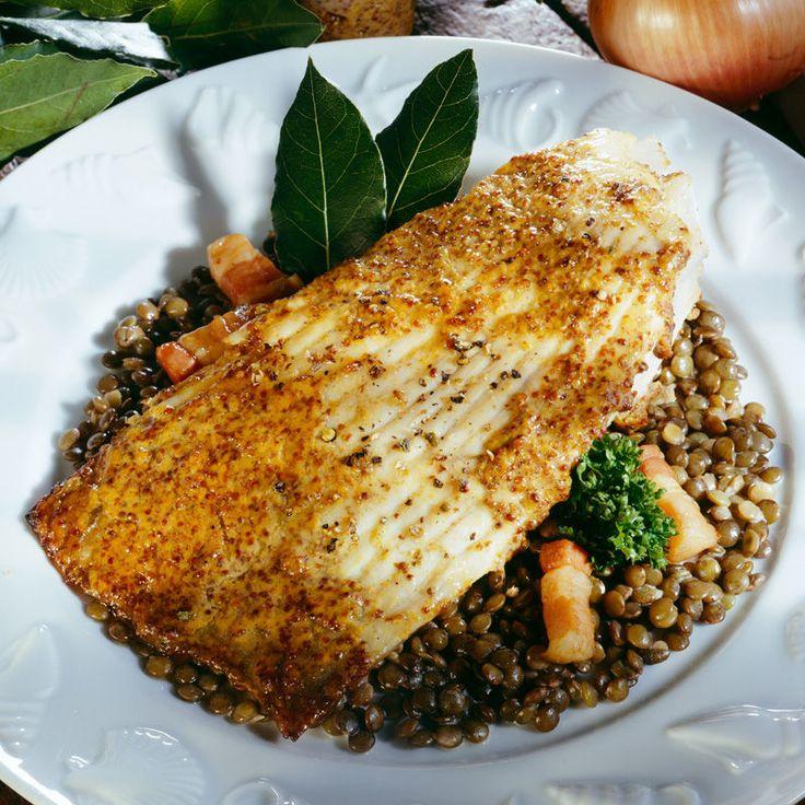 Découvrez la recette Aile de raie aux lentilles sur cuisineactuelle.fr.