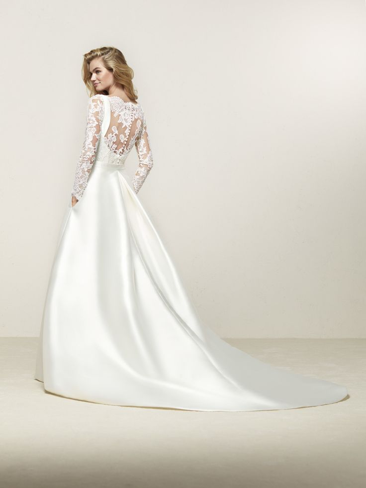 Mermaid wedding dress with long sleeves and transparent back - Drales - Pronovias | Pronovias
