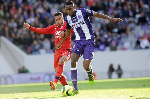 #rumors  Transfer report: Arsenal and Tottenham scouting Toulouse defender Issa Diop