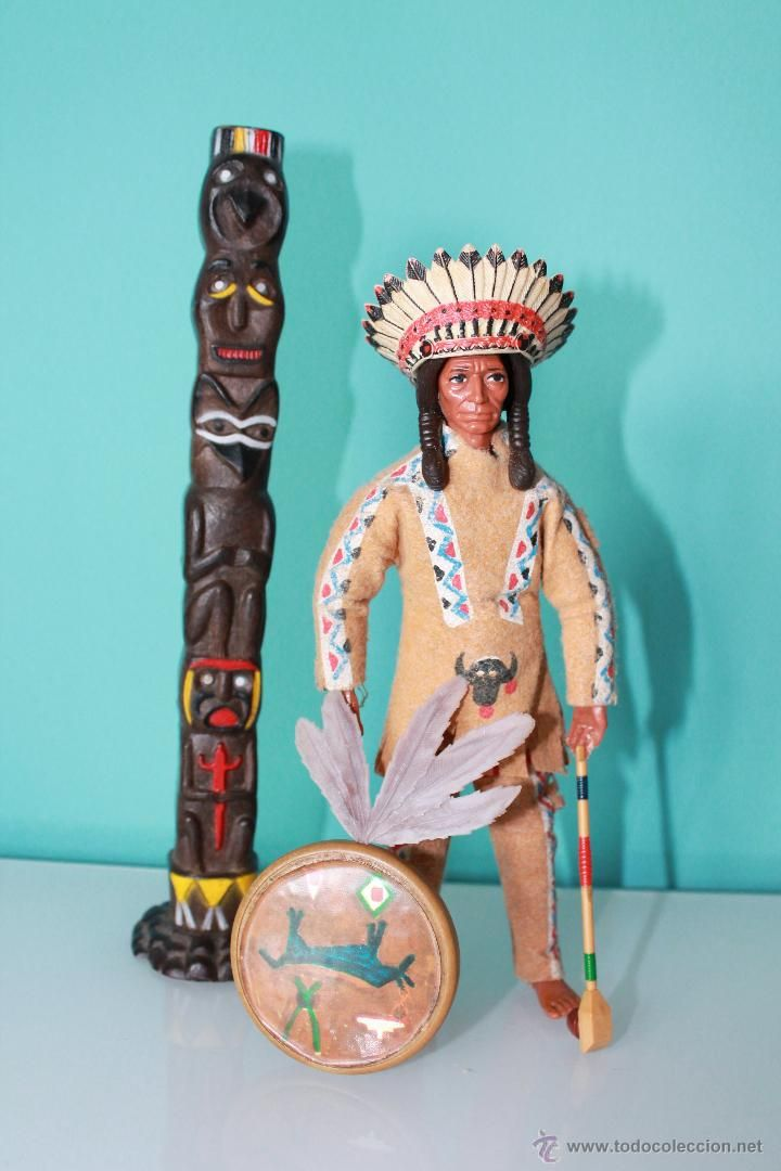 Madelman Jefe Indio - Original - Totem, escudo, pipa y penacho de plumas.