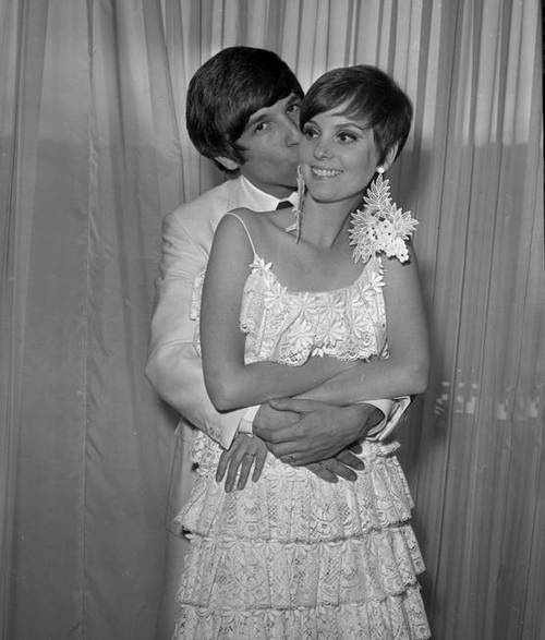Actress Lesley Ann Warren and hairdresser/movie producer Jon Peters on their wedding day, 1967.  They had one child and divorced in 1974.  She has been married to Ronald Taft since 2000.