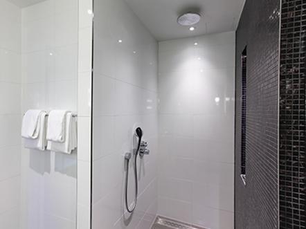 hotel thermen bussloo badkamer douche badkamers pinterest hotels and search. Black Bedroom Furniture Sets. Home Design Ideas