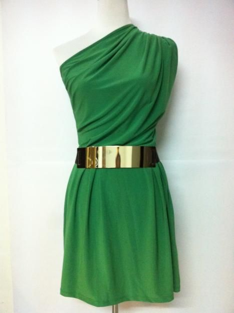 This would be a great party/wedding/date dress! Gorgeous color, you could wear it year round, and you only need minimal accessories.
