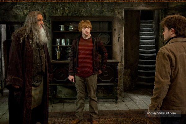 Harry Potter And The Deathly Hallows Part Ii Publicity Still Of Daniel Radcliffe Rupert Grint Ciaran Hinds Ciaran Hinds Harry Potter Harry Potter Movies