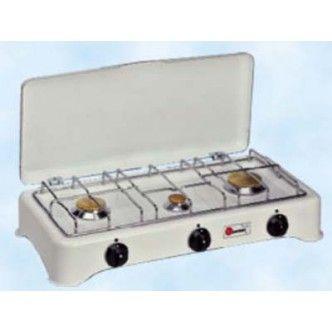 Comodo fornello a gas portatile, a 3 fuochi valvolati, di produzione italiana. Ideale per campeggio e ad uso domestico.