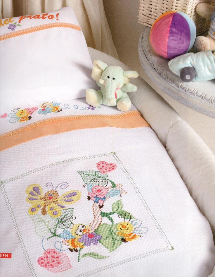 Baby blanket cot sheet friends of the lawn (2) - free cross stitch patterns crochet knitting amigurumi