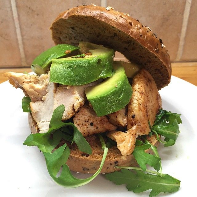 Chicken, avocado & rocket bagel. That's #LeanIn15 #LunchMe #TheBodyCoach…