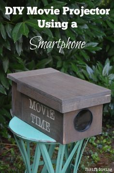 Using just a magnifying glass from The Dollar Tree and some plywood you can make a DIY Movie Projector using just your smartphone. Includes step-by-step instructions and tips for making it work properly! - Thrift Diving Using just a magnify Backyard Movie Nights, Outdoor Movie Nights, Outdoor Movie Party, Backyard Parties, Backyard Games, Outdoor Parties, Outdoor Movie Screen, Outdoor Theater, Movie Projector Outdoor