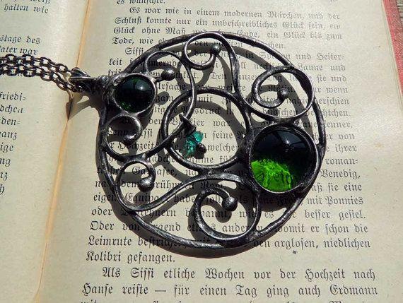 Art Nouveau collar ornamento collar verde colgante de