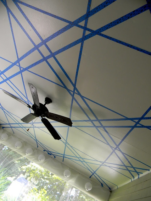 Paint your ceiling more interesting with tape.Wall Art, Ideas, Shiny Things, Subtle Painting, Ceilings Painting Pattern, Nifty Crafts, Gorgeous Shiny, Boy Rooms, Boys Room