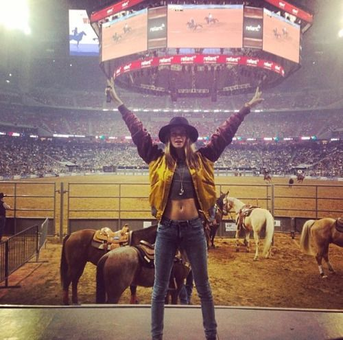 What happens in Texas, stays in Texas! Behati Prinsloo gets the true rodeo experience in this weeks Model Twitpics: http://bit.ly/1kRYEUa