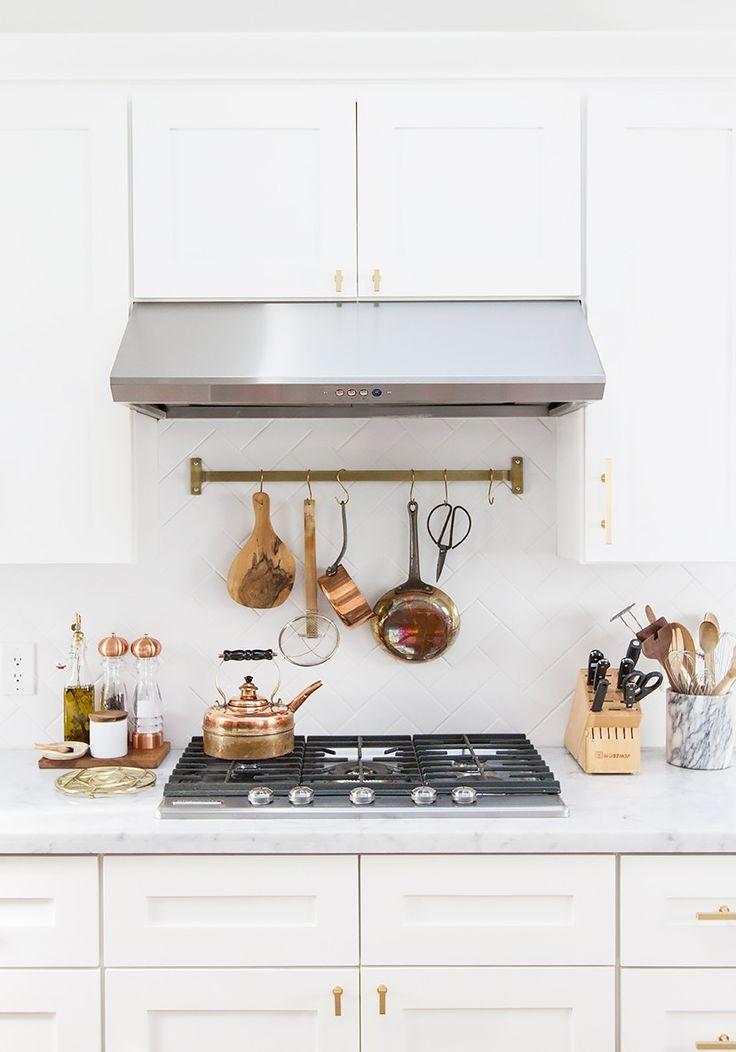 Tour A Wedding Blogger S Stunning Renovated Kitchen Copper Accessorieshome