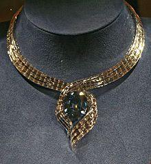 the Hope Diamond's temporary Smithsonian setting
