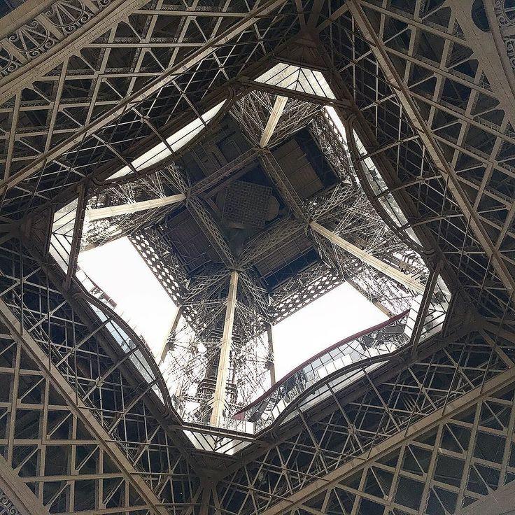 #eiffeltower #toureiffel #eiffel #paris #fridayafternoon #architecture #lowangle #landmark - from Instagram
