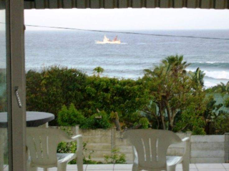 Dolphin View, Port Shepstone is a self catering spot in South Port that is pet-friendly.