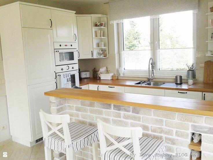 Biała kuchnia z drewnianymi blatami  Dream Home Kitchen   -> Kuchnia Prowansalska Aranżacje